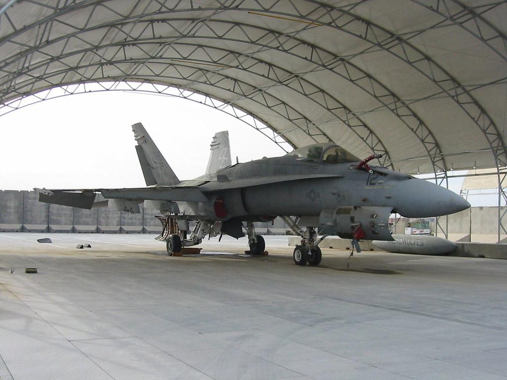 F/A-18C Hornet 164277/DC-12 VMFA-122