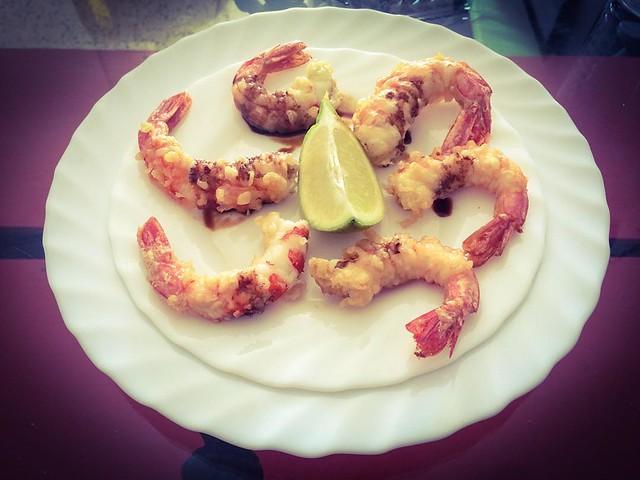 Gambas en tempura con suspiros de soja. Fácil y riquísimas.