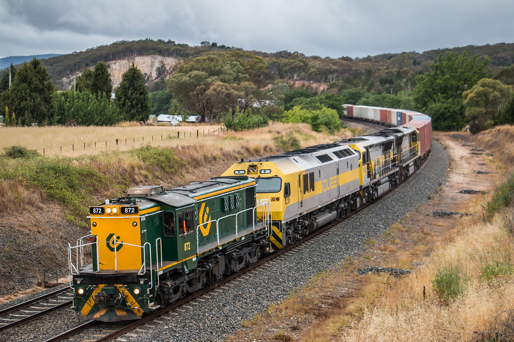 872, RL309, 1103 and 1102 on 1311 at North Goulburn by AaronHazelgrove01