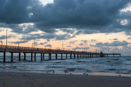 sea usa beach gulfofmexico pier fishing texas earlymorning portaransas keepers horacecaldwellpier
