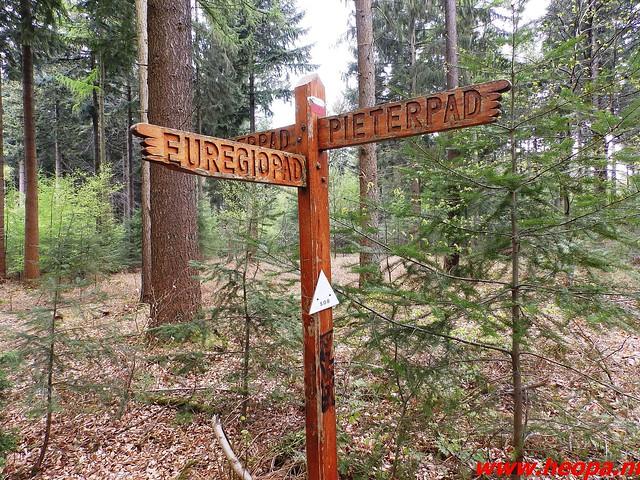 2016-04-30   Lentetocht  (klim) wandeling 40 Km  (57)