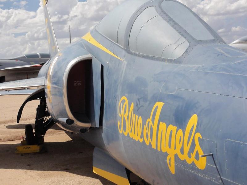 Grumman F-11A Tiger 4