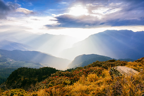 mountain sunrise taiwan rays 合歡山 日出 耶穌光 hehuanshan 石門山 mthehuan 雲隙光 mtshimen