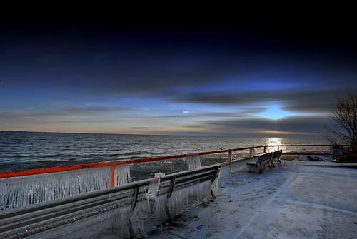 winter sunset sky lake snow cold ice water marina sunrise bench boats frozen explore icicle boating bigfav flickrsbest bigfave abigfave impressedbeauty aplusphoto