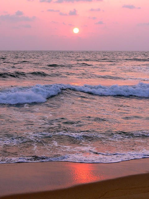 Wadduwa Sunset , waves and reflections in the sand.