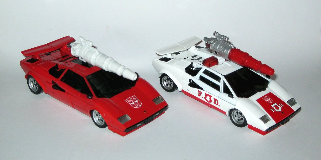 TRANSFORMERS-TAKARA-TOMY-MASTERPIECE-MP-14+ALERT-LAMBORGHINI-COUNTACH-TOY