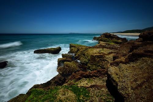 seascape rocks waves australia newsouthwales aus portmacquarie midnorthcoast camdenhead dunbogan nikon1635mmf4 paulhollins nikond750