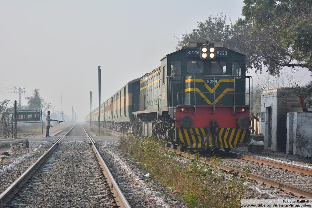 Pakistan Railways Henschel Assembled EMD GT26W no 8229 wit