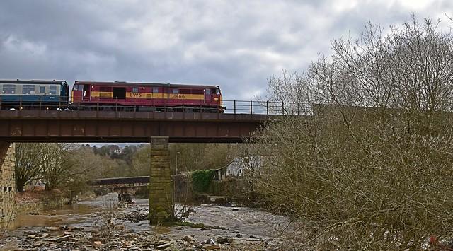31466 crosses Brooksbottom Viaduct, at Summerseats, heading towards Bury Bolton Street & Heywood. East Lancs Railway. 27 03 2016