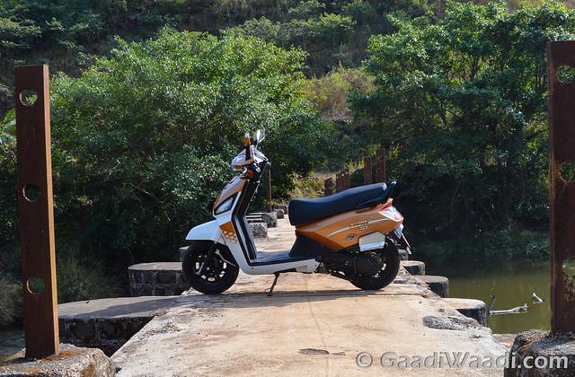 Mahindra Gusto 125 Test Drive review-5