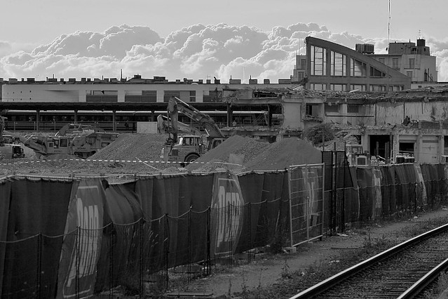 110609_020   Wiener Südbahnhof (+Gelände) - Betrieb+Abbruch