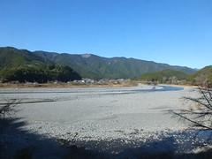 車窓から望む大井川