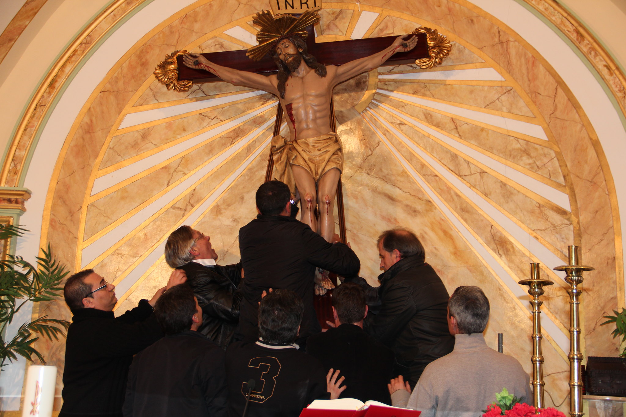 (2012-03-30) - III Vía Crucis nocturno -  Antonio Verdú Navarro  (103)