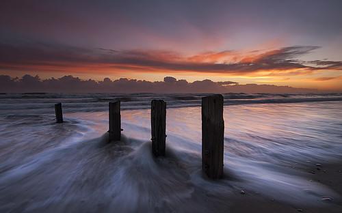 morning sunrise dawn tide wave northumberland coastal northeast groynes berwickupontweed spittal d90 elidor