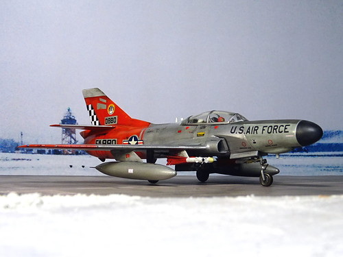 1:72 Lockheed F-94E Starfire, aircraft 'FA 880/Bu. No. 56-0880 ' of the 57th FIS 'Black Knights', US Air Forces Iceland, Keflavik AB, 1959 (Whif/Emhar kit conversion) | by dizzyfugu
