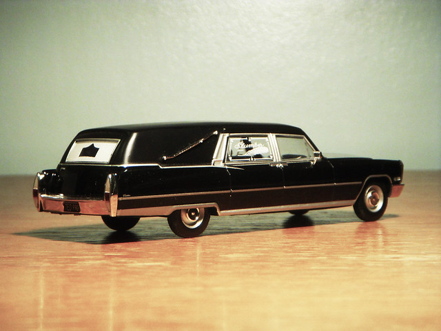 1968 Cadillac Superior Sovereign Landaulet Hearse 1:43 Diecast by Ixo/Universal Hobbies