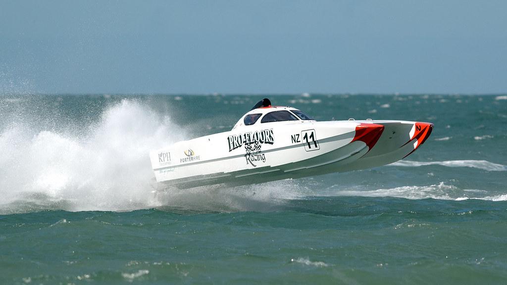 PRO-FLOORS RACING, NZ Offshore Powerboat series Napier, Ha