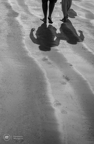 shadow feet beach evening sand shadows legs incognito beachhike