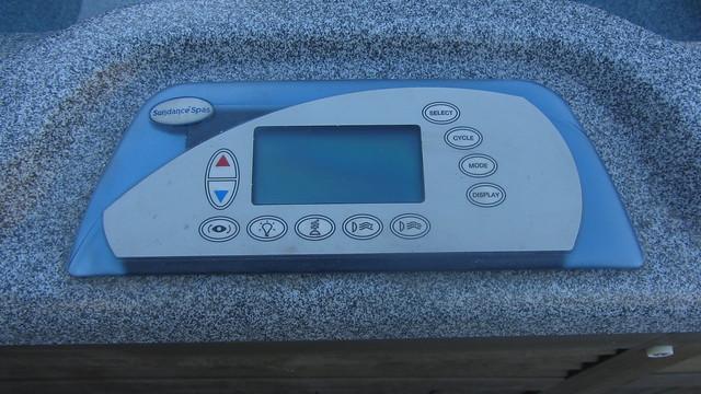 IMG_8193 patio Sundance Cameo 880 spa control panel
