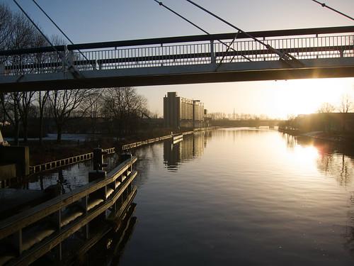netherlands sunrise canal kanaal brug groningen ochtend fietsbrug korrewegwijk korreweg vanstarkenborghkanaal gerritkrolbrug korrewegbrug