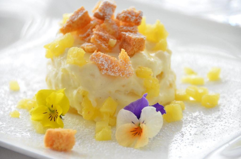 new arrivals e9246 b116e Torta Mimosa con cioccolato bianco e ananas, ricetta dolce ...