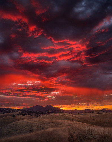 california county pink sunset red sky grass rural 35mm landscape 645 outdoor hills brentwood epic antioch oakley trilogy mountdiablo marshcreek a35 contracosta 645d mtmordor mikeoriapentax