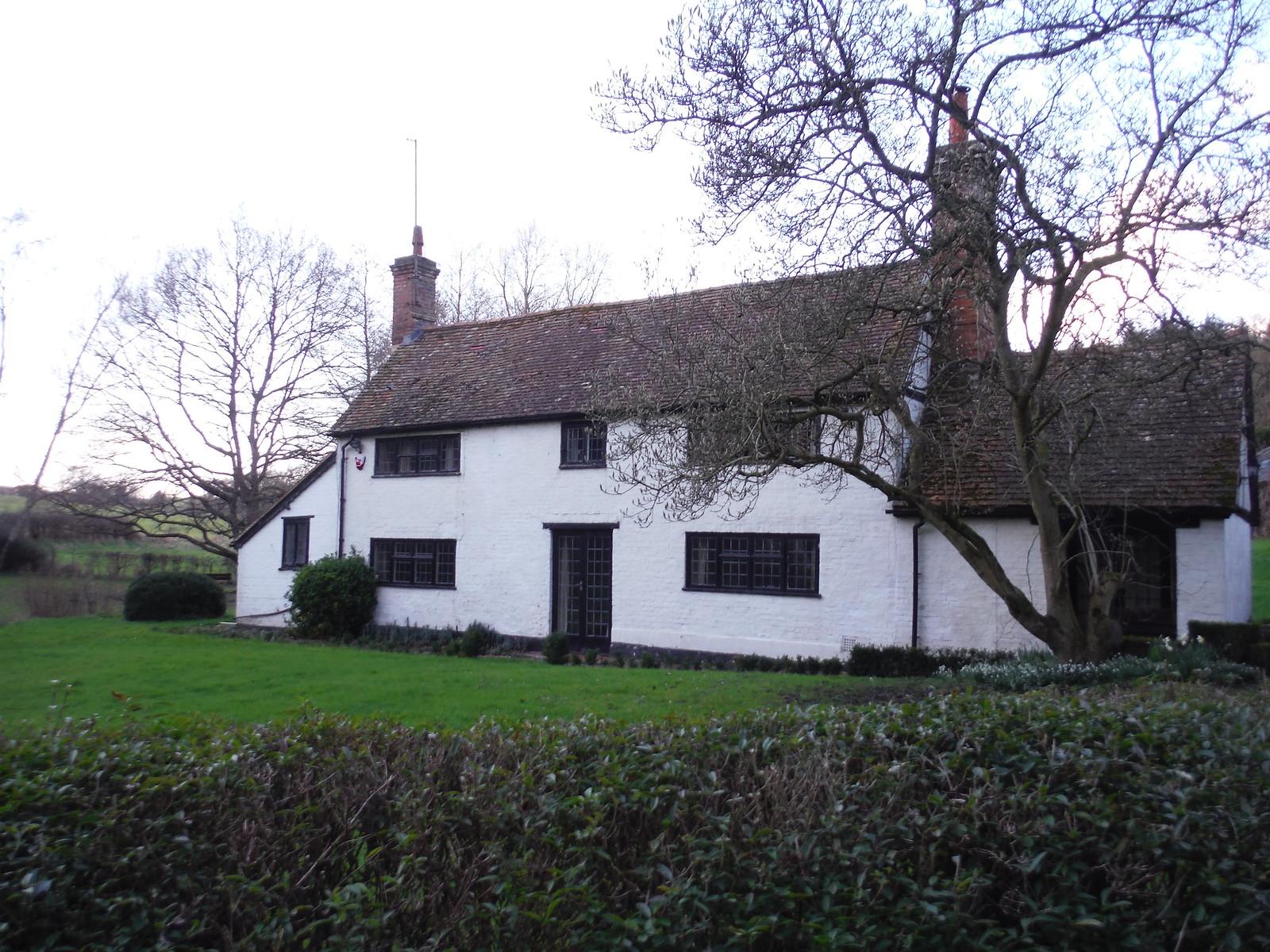 House in Midgham SWC Walk 117 Aldermaston to Woolhampton (via Stanford Dingley)