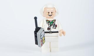 Hair Swept Back Widow/'s Peak Chin-Length /& Bushy in Back Minifig White LEGO