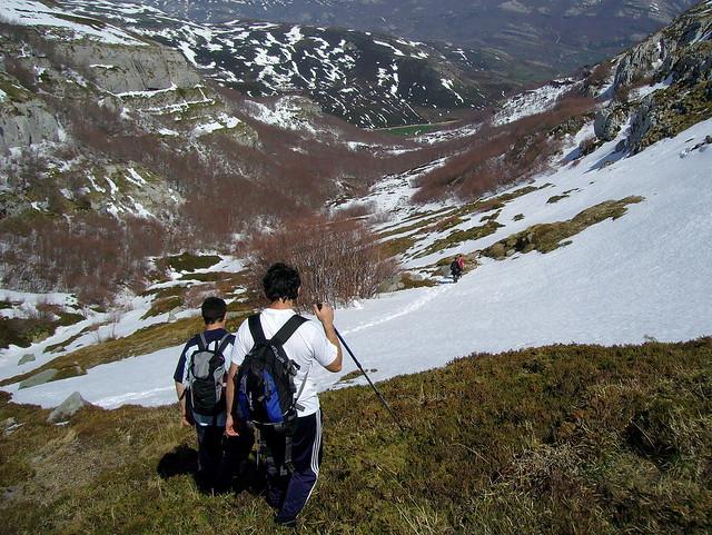 Por las bellas montañas entre Burgos y Cantabria