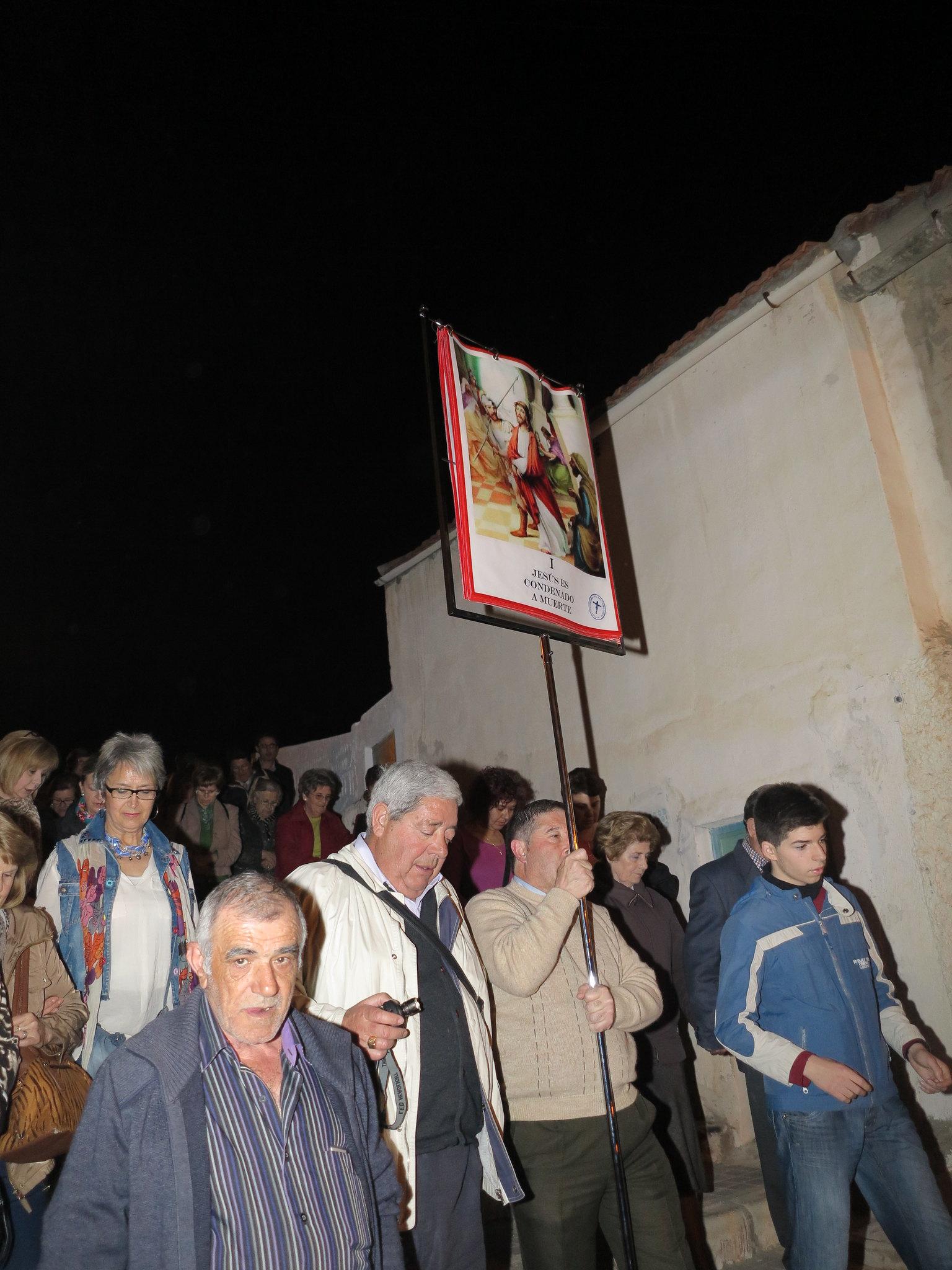(2014-04-01) - V Vía Crucis nocturno - Antonio José Verdú Navarro (07)