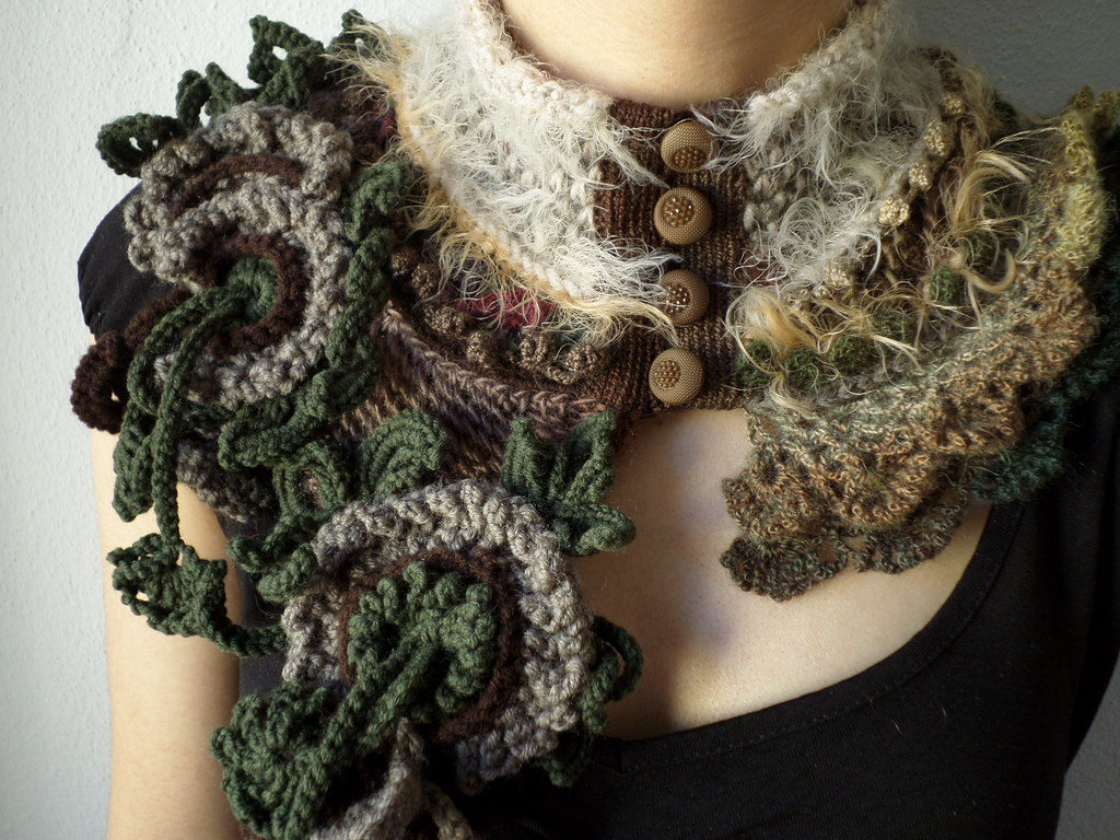statement knitted scarflette in olive green, brown, cream,… | Flickr