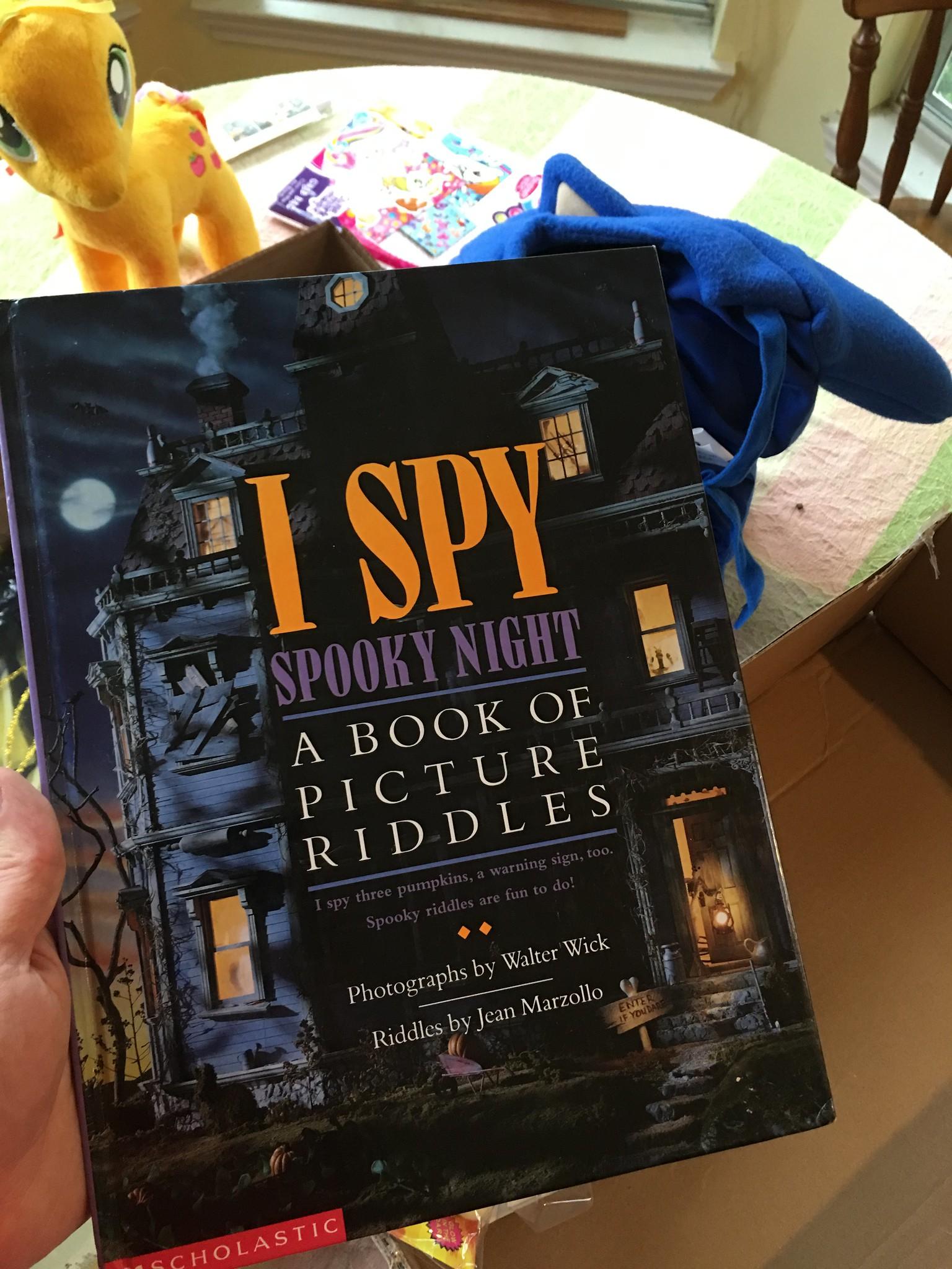 I Spy Spooky Stuff