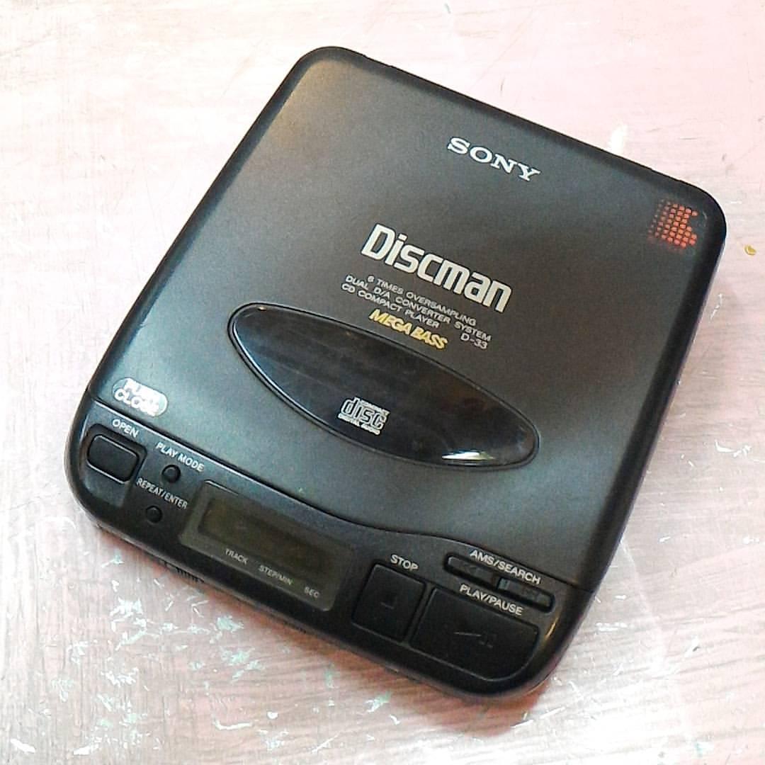 #Discman Sony CD Player D-33 Mega Bass Berfungsi normal  Price & Detail : WA/SMS me!  #discman #sonydiscman #jualdiscman #cd #compactdisc #cdplayer #jajanrock #jualvinyl #jualbarangantik #vintage #oldschool #pasarbaru #passerbaroe #pasarbarujakarta