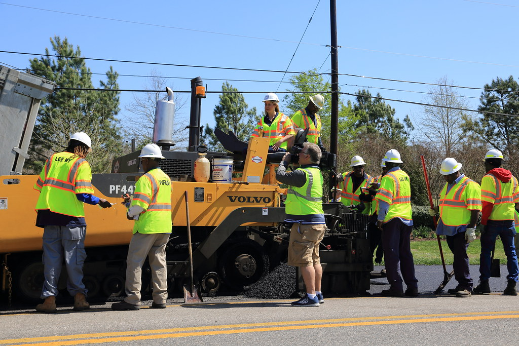 _C5A6676_RTS   VDOT and Lee Hy Paving were joined by Nikki