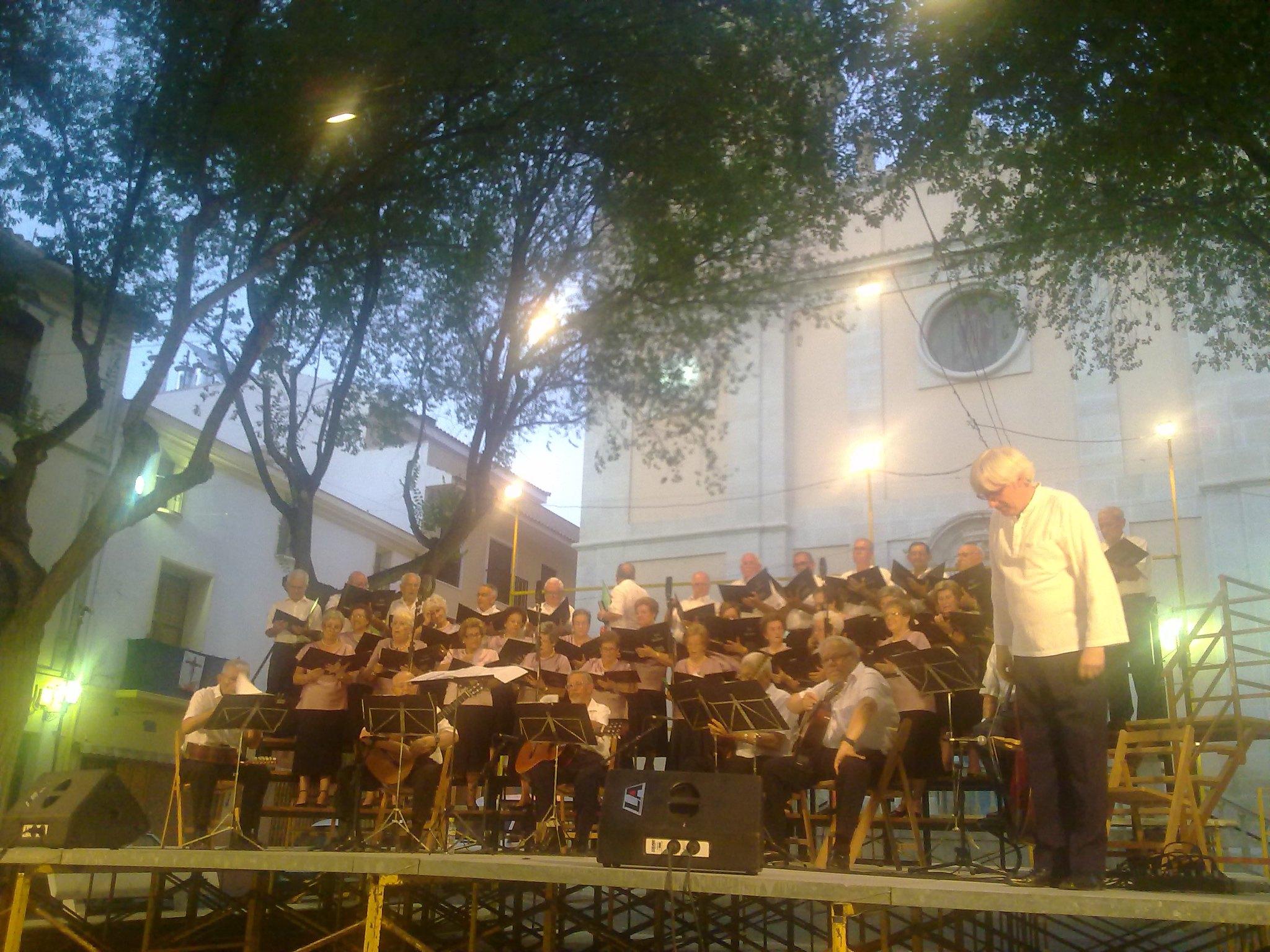 (2012-06-29) - Cocierto Rondalla CEAM - José vicente Romero Ripoll (05)