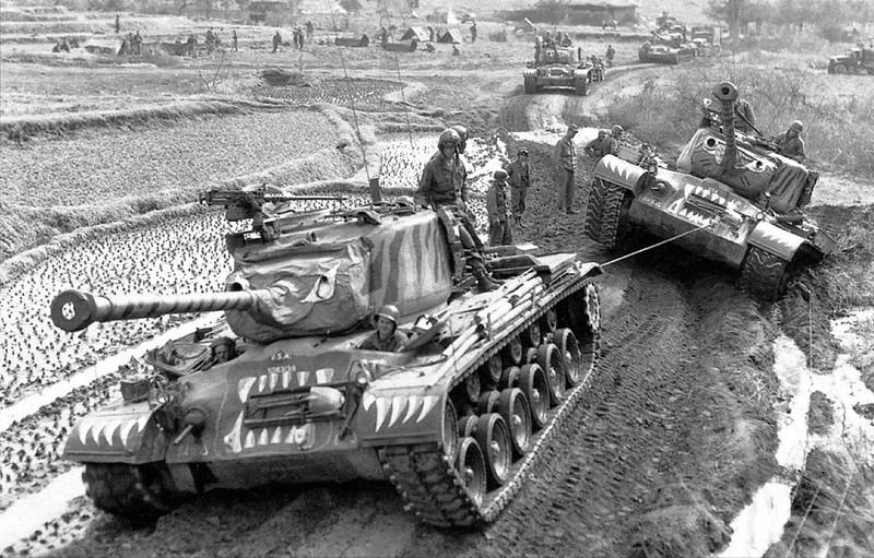 M46 Patton Tanker i deres Tiger maling ordningen