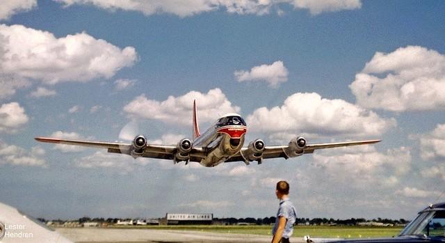 Chicago Midway Airport - Northwest Airlines - Boeing 377 (Stratocruiser)