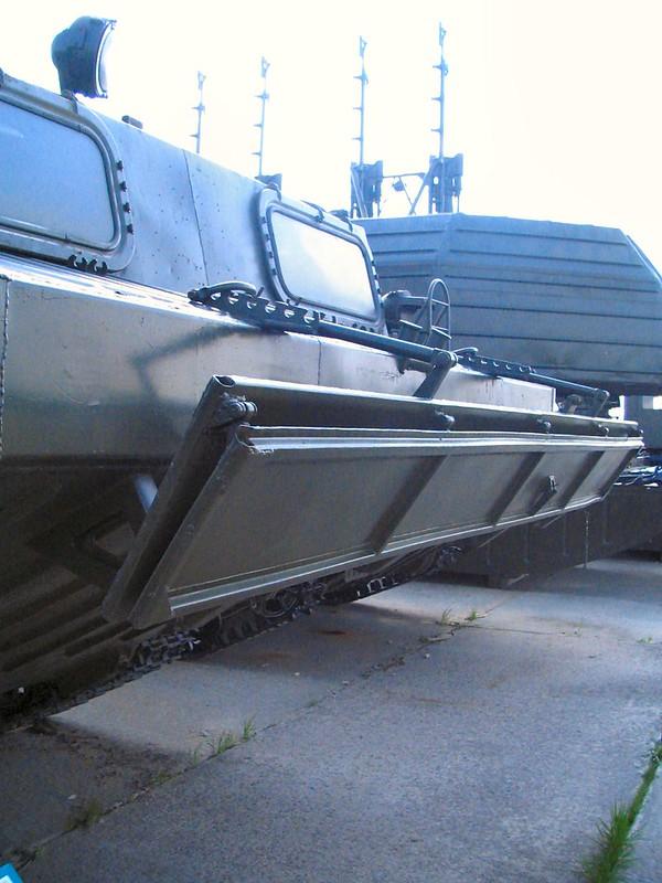 PTS-Mは、水陸両用輸送を追跡した6