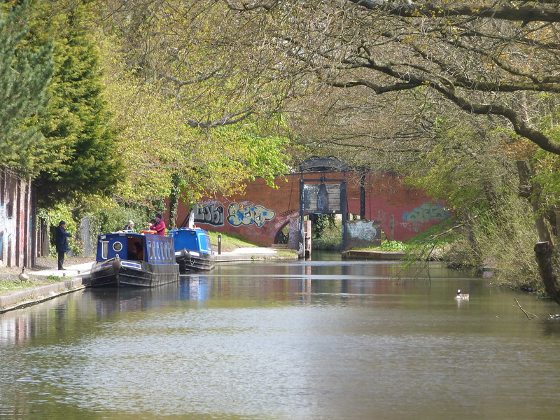 Kings Norton Junction - Stratford-on-Avon Canal - towpath closed