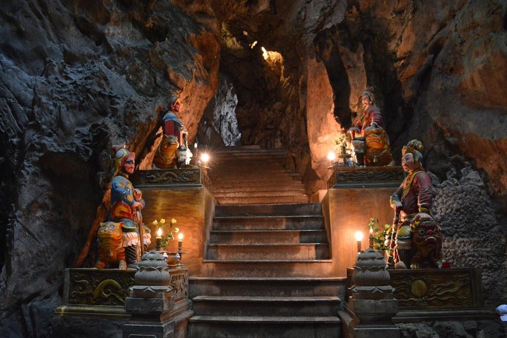 marble-mountain-monkey-mountain-tour