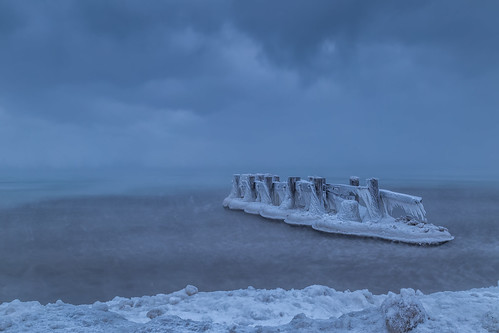 ca ontario canada ice sunrise icy lakeontario grimsby groynes hfg fiftypointconservationarea canon6d img7525e