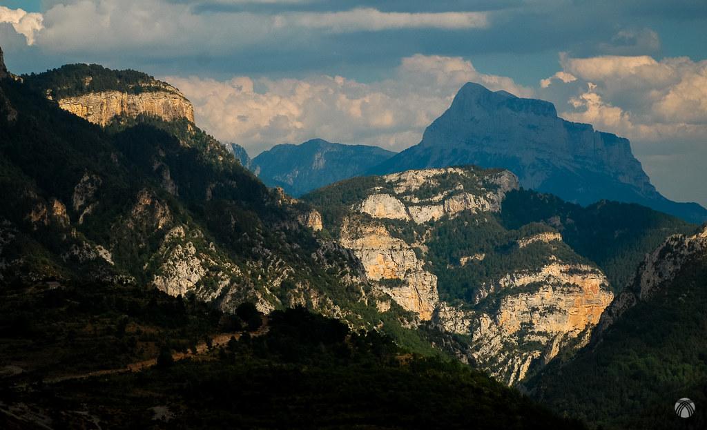 Geología imponente: la Peña Montañesa