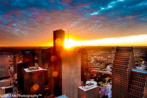 light sunset sun tower skyscraper observation photography long exposure downtown texas sony houston deck flare chase rays morgan 60th anvar rx100 khodzhaev svetan