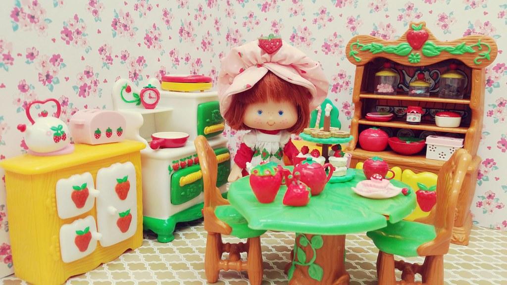 Strawberry Shortcake In Her Kitchen Vintage With T Flickr