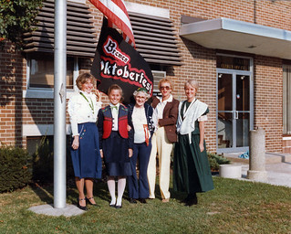 Oktoberfest 1982 red book011