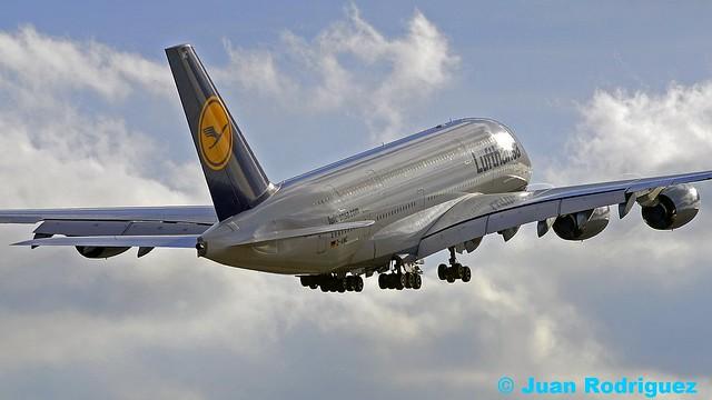 D-AIMC - Lufthansa Airbus A380-841