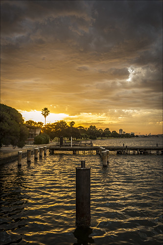 trees light sunset sky water weather clouds river landscape swan twilight victoriapark scenery dusk sony scenic australia wideangle alpha za westernaustralia swanriver carlzeiss a99 sal1635z variosonnar163528za variosonnart281635 slta99 stevekphotography