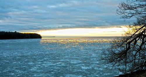 winter ontario ice water sunrise kingston lakeontario collinsbay