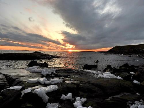 sunset sea seascape ice water rock finland island evening helsinki baltic suomenlinna