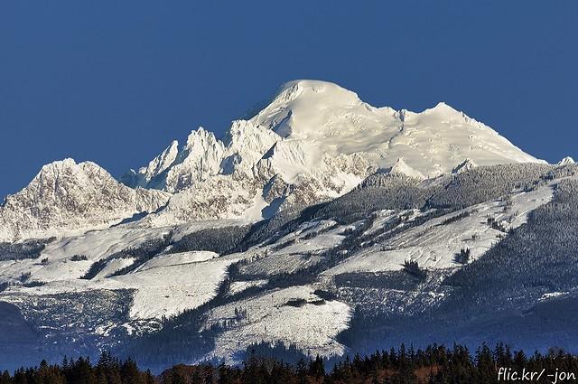 2015-12-30 Twin Sisters Mountain & Mt Baker (1024x680)